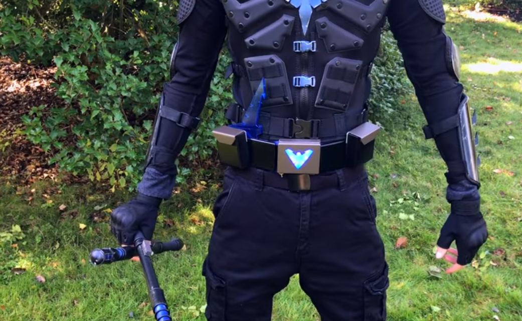 Nightwing cosplay costume